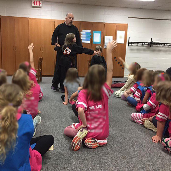An awesome day 18 of #30daysofkarate – spent another 2 hours in the #dojo tonight BUT… before that I got to do a 30 minute #karate presentation to my daughter's #daisies troop. They learned a couple blocks, strikes, and stances and we all had a great time. That's my 3rd kyu daughter and my junior #blackbelt son helping me. It's what #memories are made of. #martialarts #training #kobudo #budo #bushido #prouddad @karateculture @ando_mierzwa Naperville, Illinois